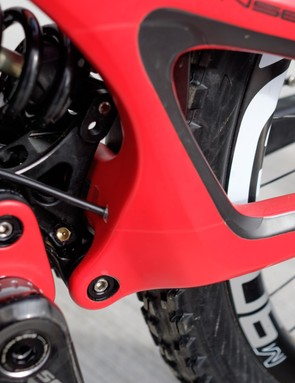Suspension pivot maintenance is simplified thanks to a grease port at the M16C linkage