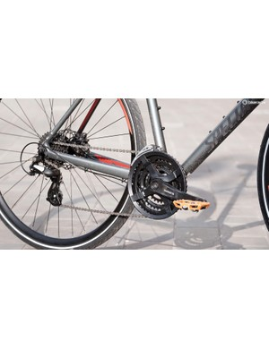 The unusually wide Shimano crank arms did rub against my shoes
