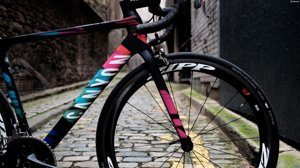 We don't think we'll ever tire of seeing this colourway