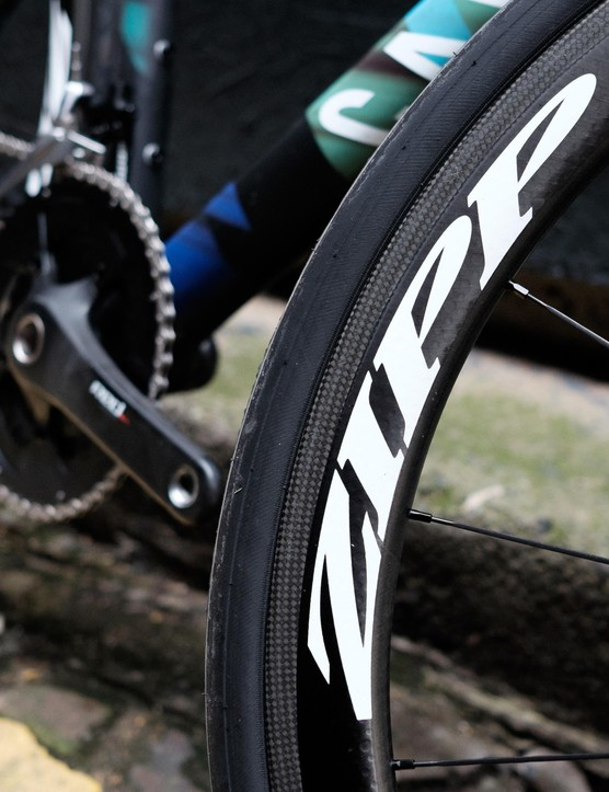 Zipp's excellent 303 Firecrest clinchers are a real spec highlight