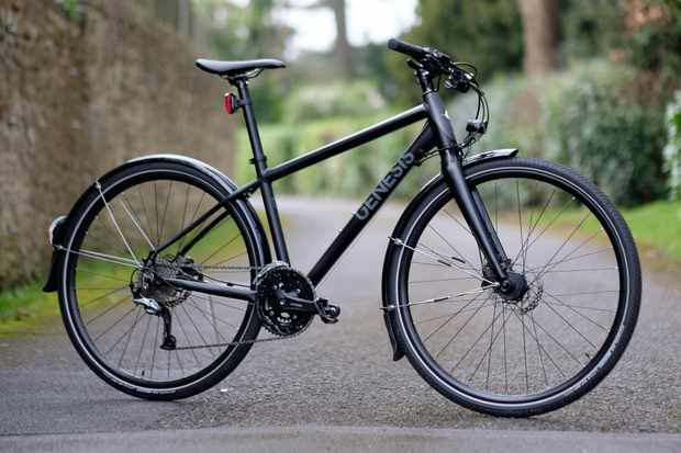 Our medium sized Skyline 30 tipped the scales at 12.9kg / 28.4lbs without pedals