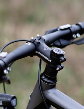 The Skyline's short stem and wide-ish bar makes for superb handling