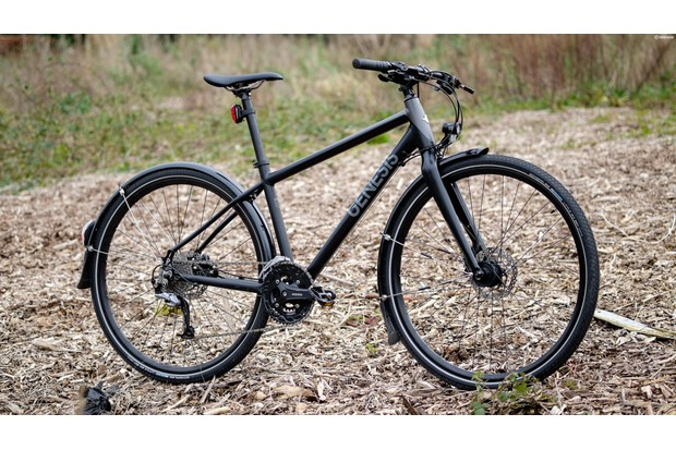 The Genesis Skyline 30 features mudguards, a pannier rack and dynamo lighting — straight out of the box!