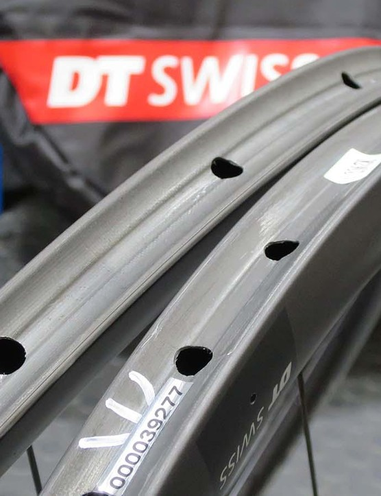 While many riders are going tubeless, the benefits of tubular tyres for racing cross are proven