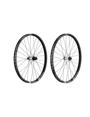 The all-mountain M 1700 wheels come in three rim width options: 25mm, 30mm and 35mm