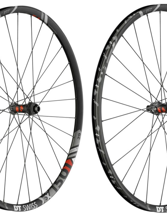 For the enduro riders out there, the EX Spline One wheelset come in 25mm and 30mm rim widths