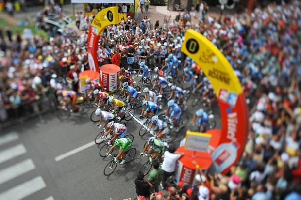 Riders start to ride, on July 25, 2008 in Roanne, during the 165,5 km nineteenth stage of the 2008 Tour de France
