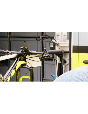 This is one of the first images of the eTap Eagle shifters