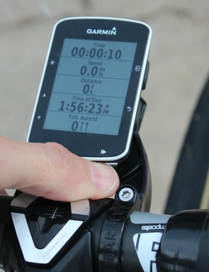 If you have an out-front mount that sits inline with your stem, pressing the front buttons is awkward —even if you have decent space between the unit and the stem