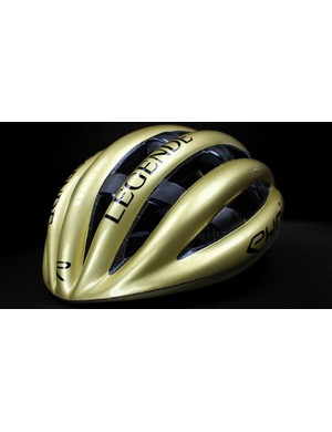The new Ekoï Legende is styled on the leather hairnet helmets of the '70s