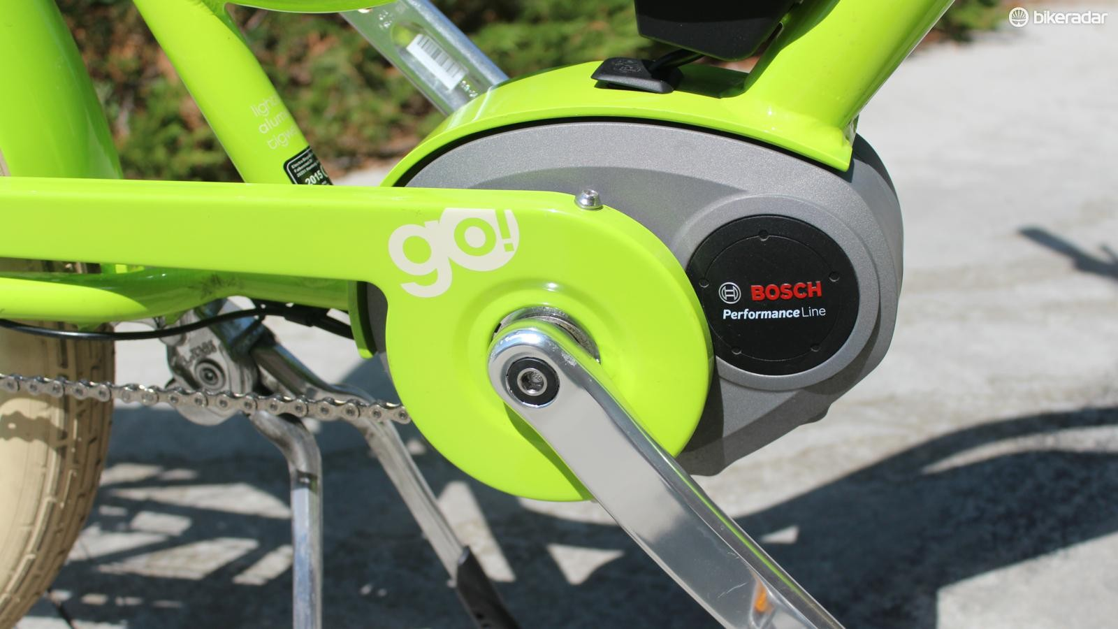 A Bosch Performance 250w mid-frame motor offers four levels of pedal-assist power