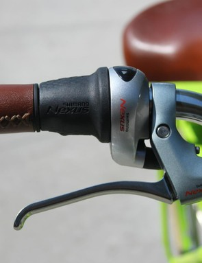 The twist shifter integrates nicely into the grip