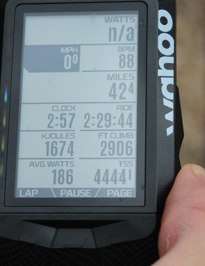 When you zoom out on a page, you can see up to 10 lines of data, the specifics of which are set via the Elemnt phone app