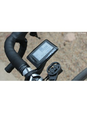 WIth a 2.7in screen, the Elemnt isn't small