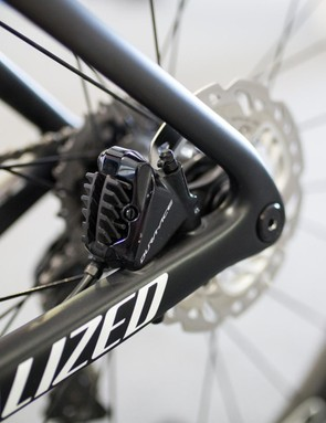 Viviani's bike had Dura-Ace flatmount calipers front and rear