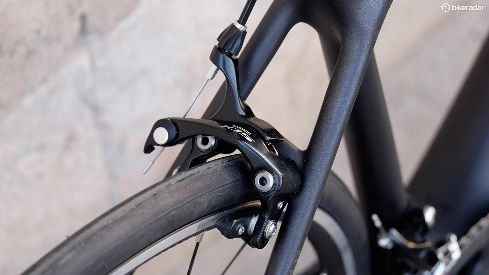 Shimano 105 rim brakes are a reliable choice for the price point