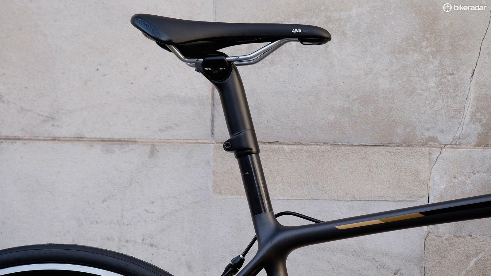 An interesting seatpost design helps do a good job of smoothing the road