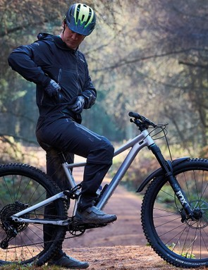 The MT500 is impressively breathable (60,000g/m2/hr) and has ample torso and leg ventilation