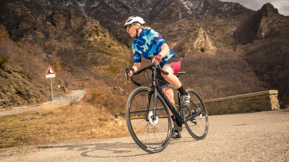 Surpremely comfortable, the Canyon Endurace WMN still gives a good turn of speed