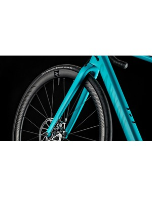 Hydraulic disc brakes are standard now througout the range