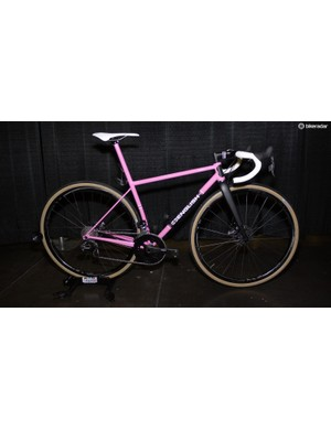 Rob English's bikes always impress. This year his personal pink machine delivered like no other in the road category. Disc brakes, three bottle mounts, room for 700x35mm tires and SRAM eTAP made for an exceptional package that was expertly executed