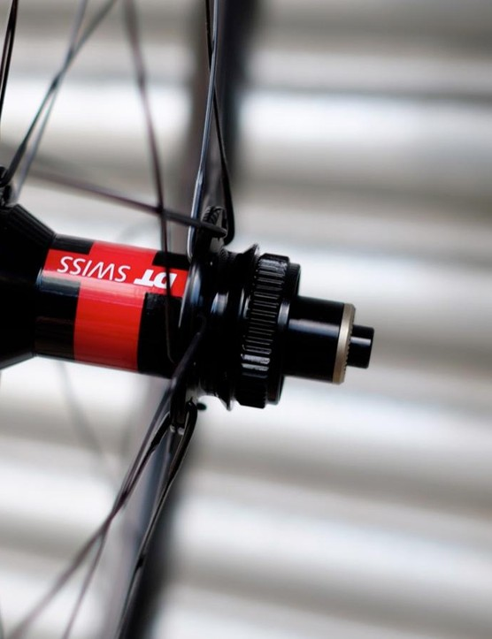 The SES 5.6 and 7.8 Disc wheels have redesigned profiles and adjusted dishing to accommodate the rotors and mounts at the hubs