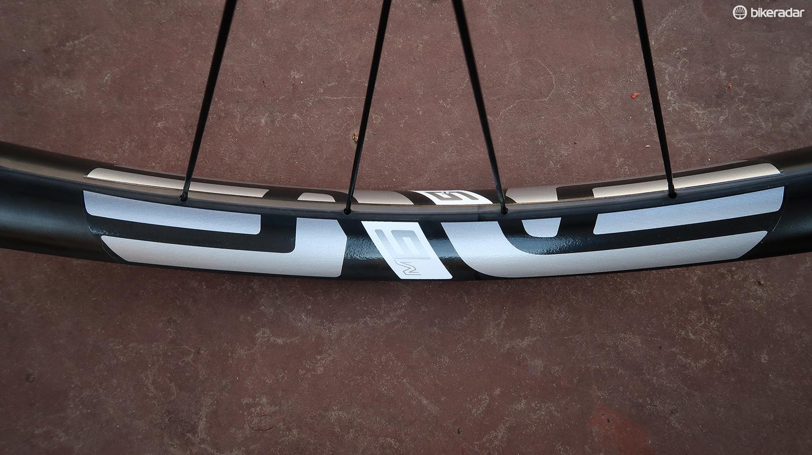 The Enve M635 rims have an internal width of 35mm