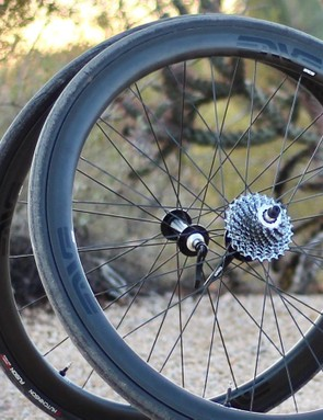 The redesigned ENVE SES 3.4 wheelset has new rims shapes front and rear, an improved brake track and tubeless compatibility