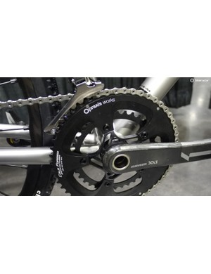 Designed by Bingham and machined by Jason Oakes of Oakes Manufacturing, the custom SRAM DM spider offers an optimized chainline and increased tire clearance