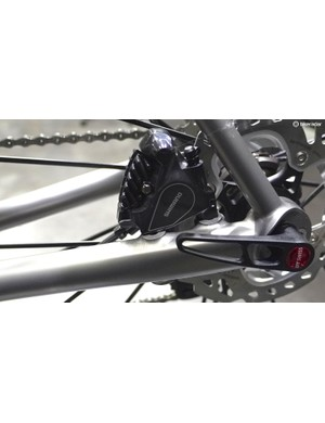 To use Flat Mount brakes, Eriksen's Bingham had to design an all-new 12mm thru axle drop-out system to properly locate the rear axle in relation to the caliper