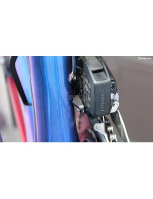 As past SRAM front derailleurs were criticized by some as being flexy, SRAM engineers responded that sometimes a flexing braze-on mount was to blame. These wedge shims are intended to stabilize the unit