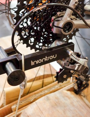 The Linientreu is located in the rear derailleur's main attachment bolt