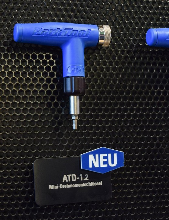 The handy little ATD-1.2 torque wrench covers the critical 4-6Nm torque range in 0.5Nm steps, and includes 3, 4, and 5mm hex bits, plus T25
