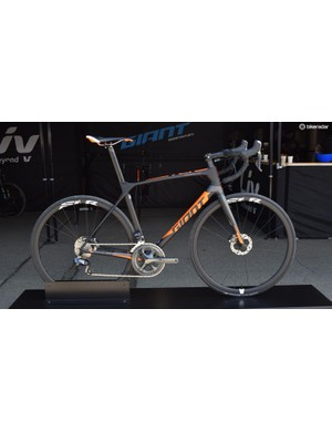 Giant's new TCR Advanced Pro Disc looks luscious. This large bike with Ultegra Di2 weighs 7.78kg