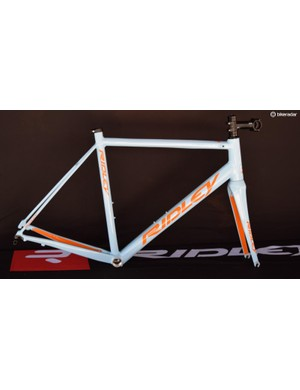 Belgian brand Ridley is about to launch this alloy version of its lightweight Helium SL race bike. Called the Helium SLA, this tidy looking frame weighs a claimed 1200g and will cost around ?800 with the fork