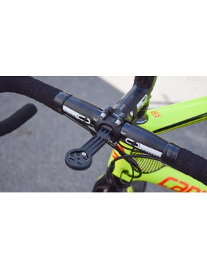 The stem has a neat adjustable Garmin mount built-in