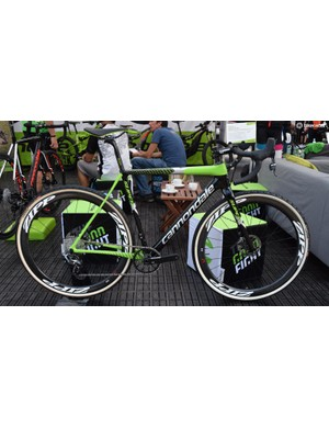 This is the Super X in full pro race guise, with glorious team edition tubulars