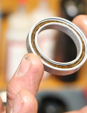 Ceramic bearings are used at the wheels and the bottom bracket