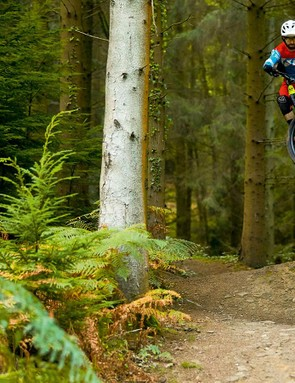 With a 160mm fork up front and a low BB, the Insurgent is ready to attack the trail