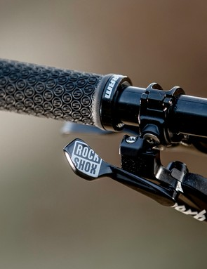 The RockShox Reverb 1x remote uses the same shape paddle as the SRAM Eagle shifter so is easy to find and use even when the trail is getting increasingly rowdy