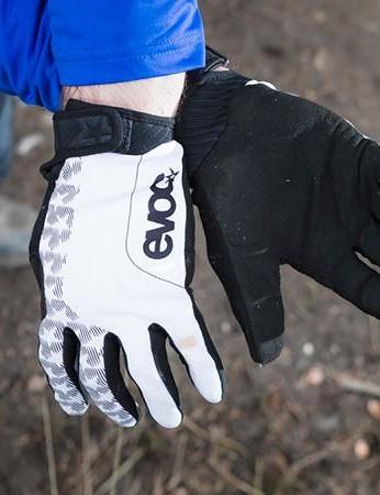 Mountain bikers wear full-finger gloves rather than fingerless gloves or mitts