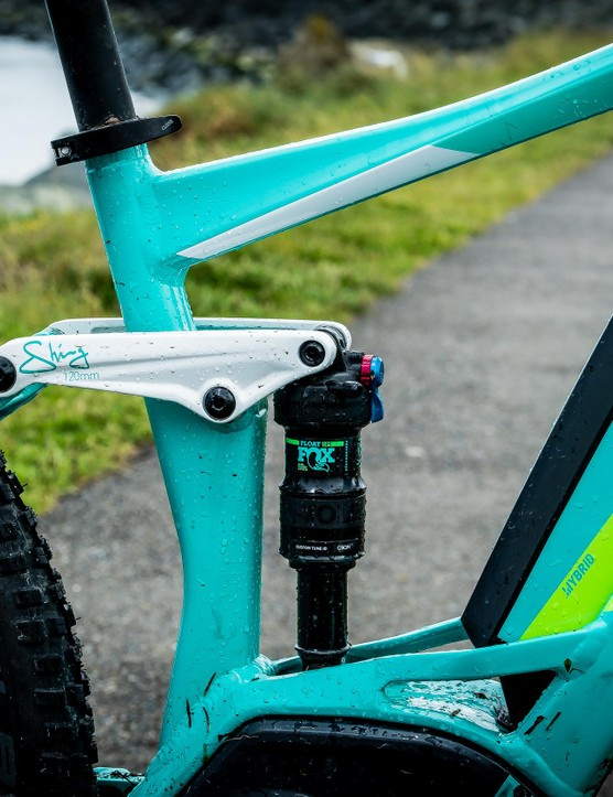 Rear travel is provided by a Fox Float DPS Performance shock