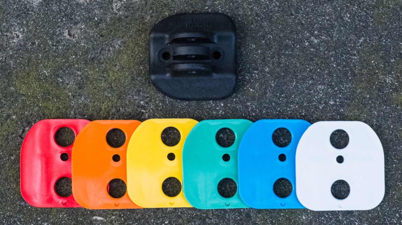 Early backers will receive a free GoPro mount and coloured chips to customise their FormMount. These are also available to purchase separately.