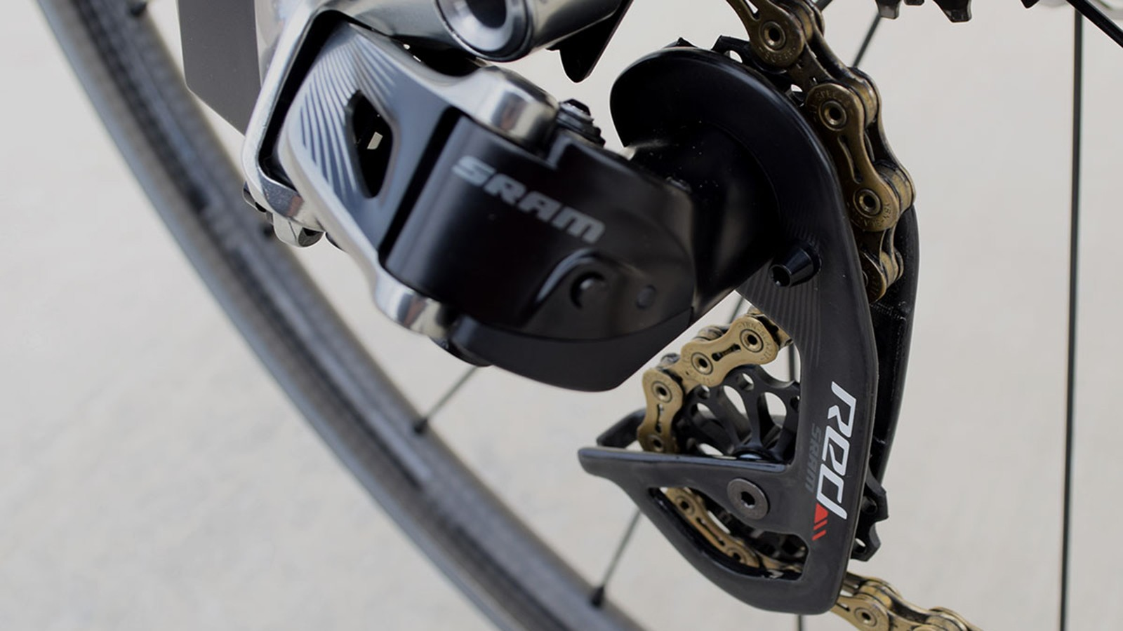 The rear derailleur was upgraded with Extralite pulleys