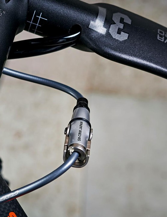 The inline adjuster for the rear brake is practical – but may hit your knee