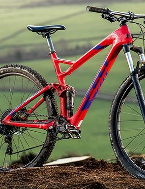 Steel legs make the RockShox Recon fork heavy but the 120mm stroke is controlled enough to stop any slow-down
