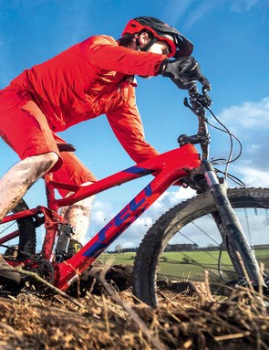 The new full-carbon frame is light yet extremely stiff and the suspension is impressively sorted