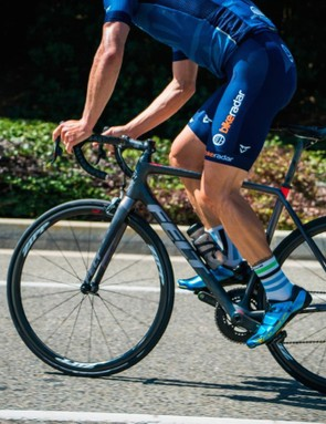 The new Felt FR road race bike hits that tricky blend of responsiveness and comfort