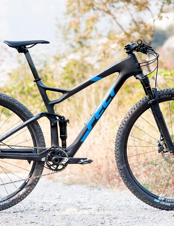 The complete Edict 1 build mixes trail ready braking, drive and wheels with XC race tyres and finishing kit, but it all hangs together surprisingly well