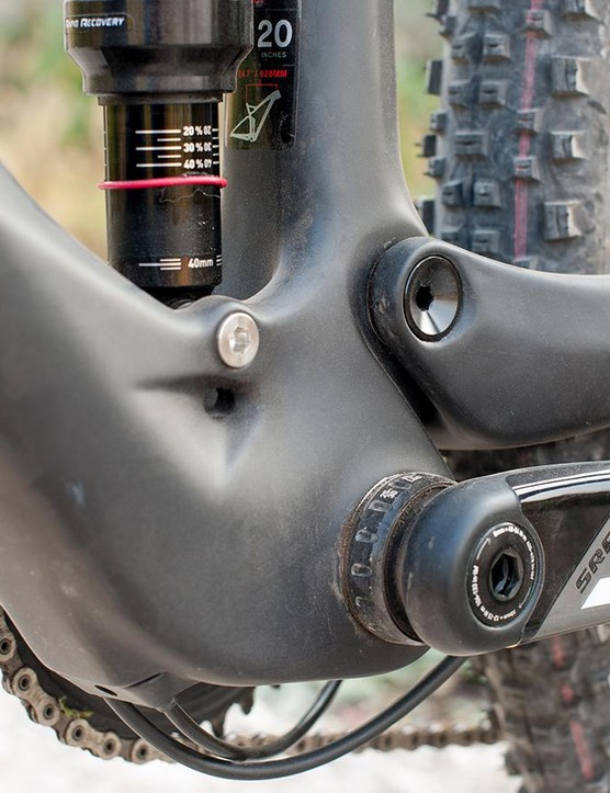 Single ring specific rear end allows a broader, stiffer pivot stance and shorter chainstays without compromising tyre clearance. High mileage riders will appreciate the threaded bottom bracket, too